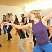 Nia Barefoot Fitness with  Rossella