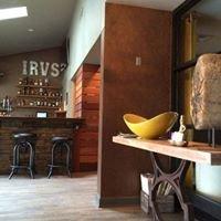 Irv's Pub