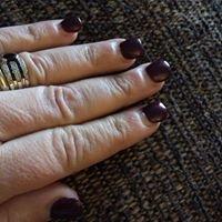 American & UK Nails