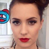 Make Up by Aimée