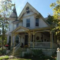 Adrounie House Bed & Breakfast